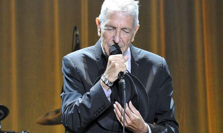 Leonard Cohen è morto, addio al musicista poeta: aveva 82 anni