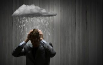 Pessimismo: 6 conseguenze che colpiscono chi pensa sempre in negativo