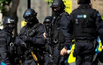 Bruxelles allarme terrorismo: auto sospetta con bombole gas, fermato il conducente