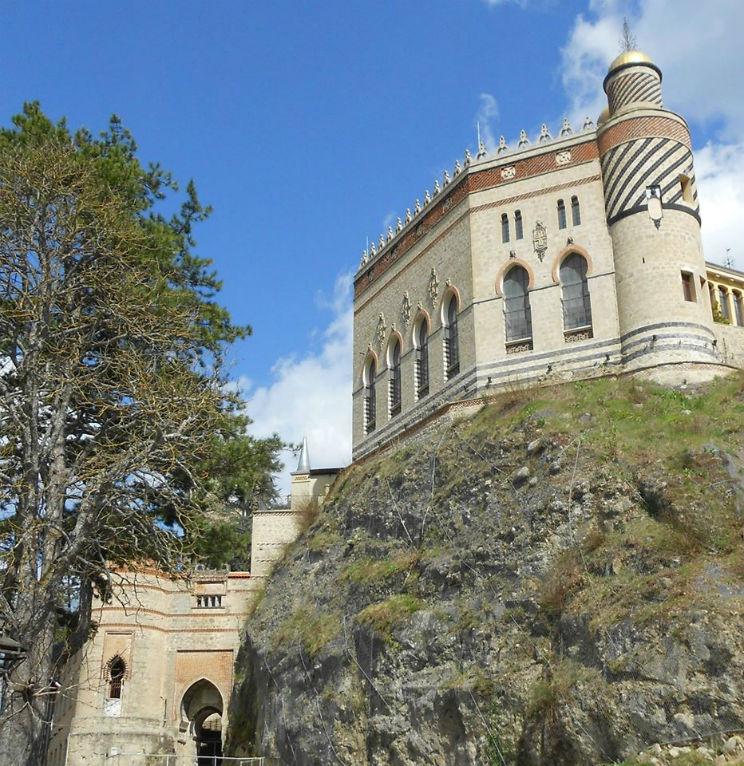 Rocchetta Mattei castello Appennino Bolognese