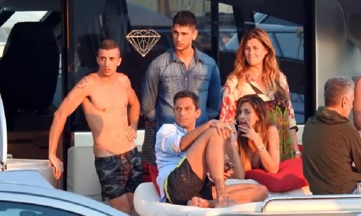 Belen Rodriguez posta la foto col super modello e fa infuriare Iannone