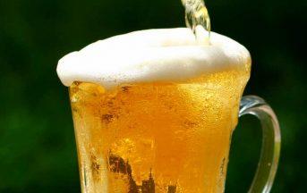 Una birra al giorno fa bene per il colesterolo: ora è dimostrato!