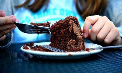Ricette Bimby dolci veloci: torta morbida al cioccolato fondente