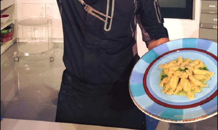 la prova del cuoco ricette oggi, la prova del cuoco ricette, la prova del cuoco di oggi, la prova del cuoco 25 novembre 2016, la prova del cuoco ricetta caramelle di pasta fresca con patate e gamberi, caramelle di pasta fresca con gamberi e patate di roberto valbuzzi, caramelle di pasta fresca con gamberi e patate di roberto valbuzzi ricetta,