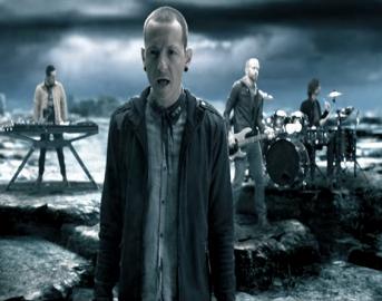 Linkin Park Chester Bennington morto: tour annullato, impennata nelle vendite streaming