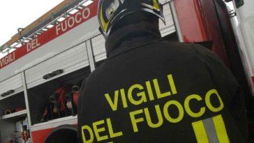 Palermo incendio due depositi