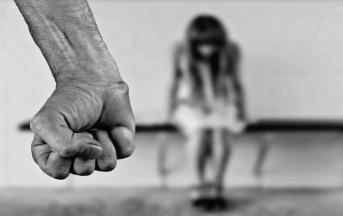 Giornata internazionale contro la violenza sulle donne: i gravi danni provocati dal cyberbullismo