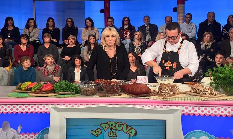 la prova del cuoco oggi, la prova del cuoco ricette, la prova del cuoco ricette 2 dicembre 2016, la prova del cuoco ricetta pizza alla 'nduja gino sorbillo, pizza alla 'nduja gino sorbillo,