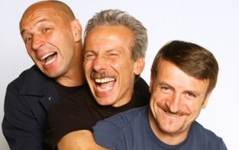 """Aldo, Giovanni e Giacomo: il trio non si scioglie, dieci frasi celebri per """"festeggiare"""""""