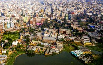 Bangladesh, kamikaze si fanno esplodere a Dacca: un morto e un ferito