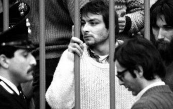 """Cesare Battisti, 6 anni dopo il """"no"""" all'estradizione: una vita vissuta sempre sul filo del rasoio"""