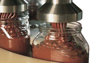 Ferrero compie 70 anni: viaggio nella fabbrica di cioccolato made in Italy di Alba [FOTO]