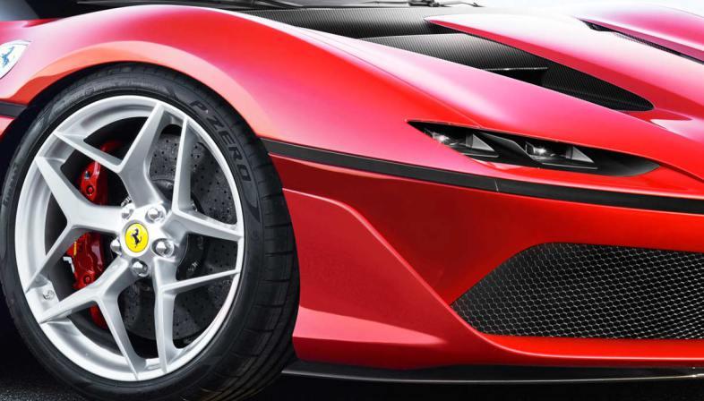 Ferrari J50 prezzo caratteristiche