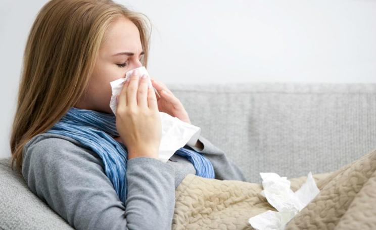 3 sintomi dell'influenza senza febbre: come riconoscerla e curarla