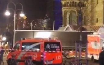 Attentato Berlino news: italiana dispersa, trovato cellulare nel luogo della strage