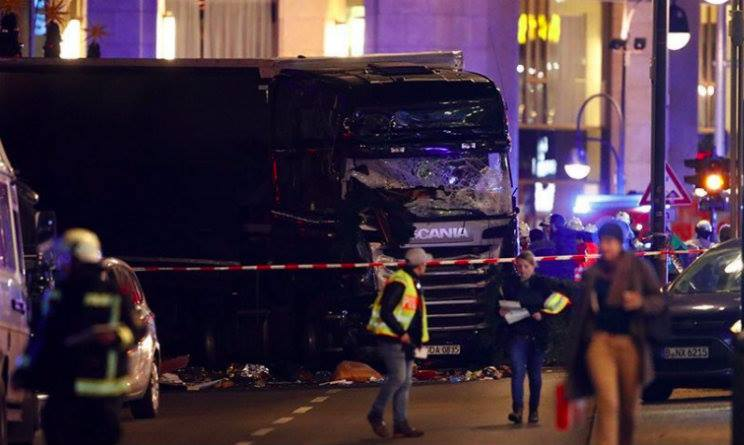 Camion a Berlino ai Mercatini: Attentato o Incidente?
