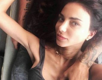 """Chiara Biasi attacca le """"televendite social"""" su Instagram: """"Le creme non tolgono la cellulite"""""""
