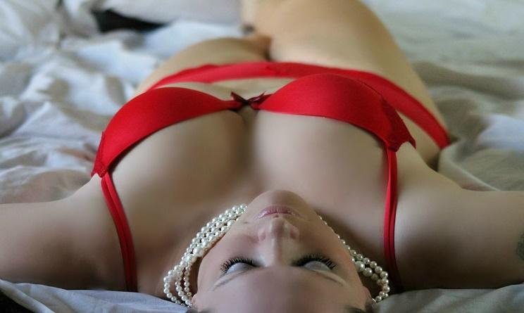 intimo rosso capodanno, intimo rosso capodanno 2017, cosa indossare a capodanno, lingerie rossa per capodanno, modelli intimo rosso,