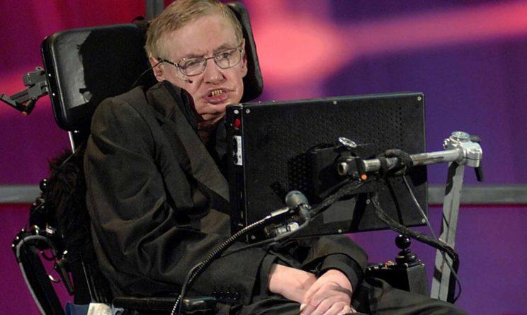 Stephen Hawking, notte tranquilla al Policlinico Gemelli