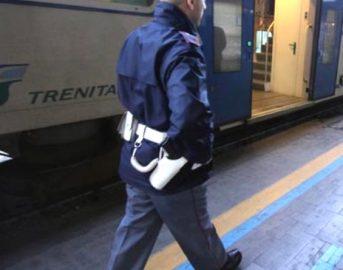 Pisa ragazzina aggredita in treno da baby gang: feriti capotreno e agenti Polfer