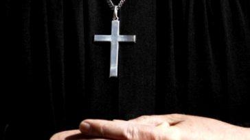 sacerdote pedofilo firenze