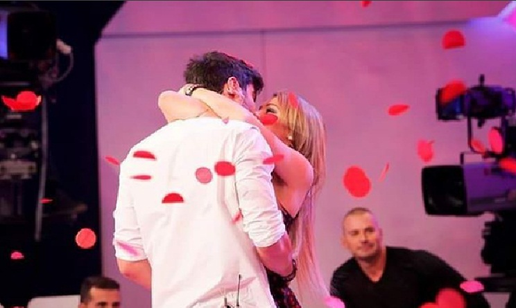 Uomini e Donne gossip: Gianni Sperti parla di Riccardo e Camilla
