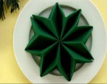 Capodanno 2017 idee originali: come piegare i tovaglioli a forma di stella
