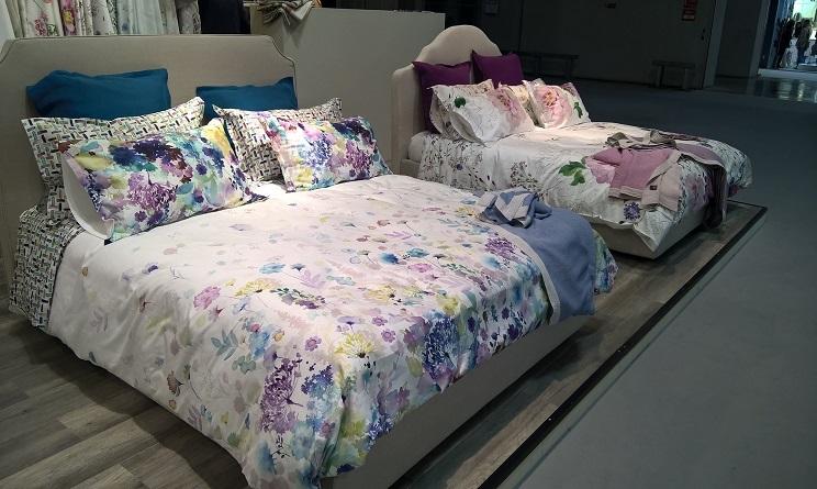 Tendenze casa 2017 5 letti con lenzuola originali a cui for Colori per la casa 2017