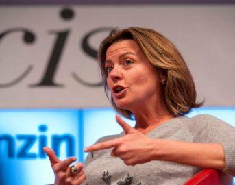 Endometriosi esenzione: il ministro Lorenzin 'La cura dell'endometriosi sarà nei Lea'