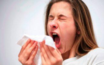 Influenza gennaio 2016/2017: sintomi, picco e rimedi naturali e cibi efficaci contro il freddo