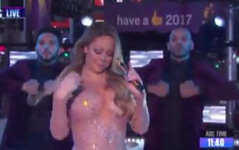 Mariah Carey, figuraccia in diretta tv: playback sbagliato o problemi tecnici, lei lascia infuriata