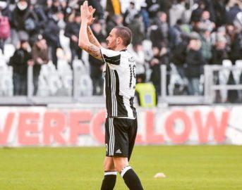 """Bonucci figlio, il difensore della Juventus ai tifosi della Lazio: """"Onore a voi"""""""