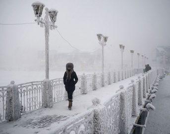 Ojmjakon, ecco il villaggio più freddo del mondo dove la temperatura arriva anche a -71 gradi [Foto]