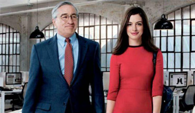 Lo stagista inaspettato, film stasera in tv su Canale 5: trama
