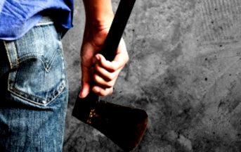Svizzera, 17enne aggredisce i passanti a colpi d'ascia: fermato