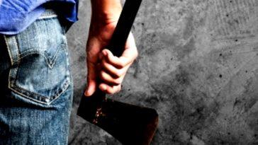 17enne lettone aggredisce passanti con ascia