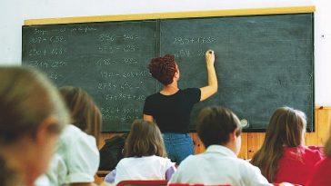 Stipendio insegnanti in Italia 2018