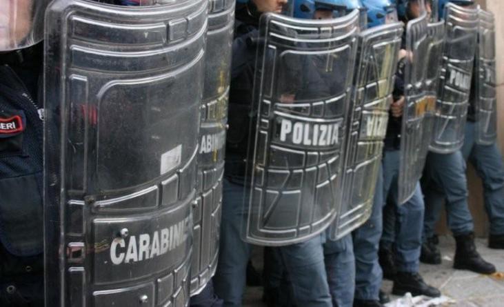 Proteste migranti a Firenze sotto la Prefettura