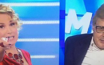 Domenica Live oggi diretta: Vittorio Sgarbi si addormenta