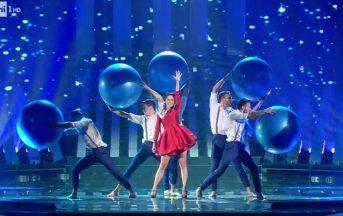 Sanremo 2017 vestiti: gli abiti top e flop della terza serata [FOTO]
