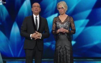 Sanremo 2017 look: da Maria De Filippi alle cantanti Big, ecco gli abiti della quarta serata [FOTO]