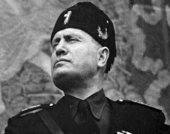 Mussolini: vita sessuale del Duce svelata, a letto era violento e insaziabile