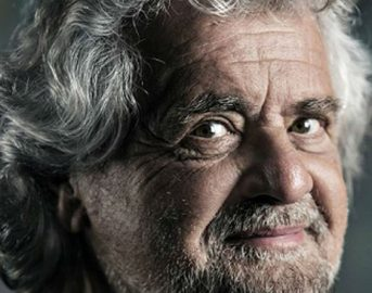 """Beppe Grillo Blog News: """"Quelli in foto li riconoscete? A casa subito!"""""""