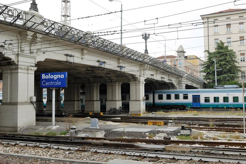 Bologna allarme bomba