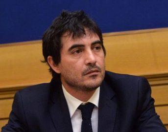 Chi è Nicola Fratoianni: il primo segretario di Sinistra Italiana
