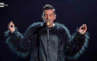 Francesco Gabbani gay: il vincitore di Sanremo 2017 vittima di una bufala, la fake news fa il giro del web
