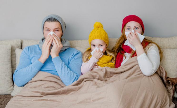 Influenza 2017 sintomi arriva il super raffreddore, rimedi naturali efficaci e durata