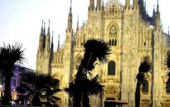 Milano, bruciate palme in piazza Duomo: atto vandalico dopo la mezzanotte (FOTO)
