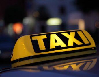 Milano: sale su finto taxi, violentata turista canadese