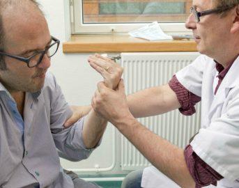 Sclerosi multipla cure: terapia a base di staminali e chemioterapia per bloccarne il decorso